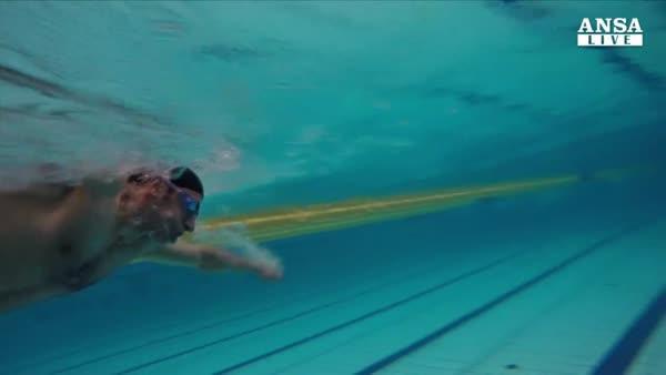 Perse gamba sotto bombe, portera' torcia olimpica